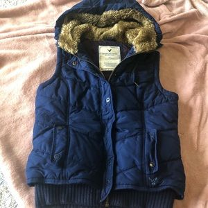 AMERICAN EAGLE | Puffy Vest